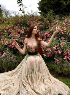 Сказочные платья Французский дизайнер шьет платья из необычного материала — Мой Прекрасный Дом