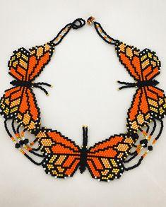 Incroyable tour de cou Monarch Butterflies Papillon taille 8cm de long Fait à la main par l'artisan Huichol wixárika