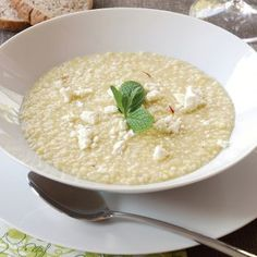 Trahanas with feta and sausage! Food N, Good Food, Food And Drink, Yummy Food, Greek Recipes, Wine Recipes, Group Meals, Mediterranean Recipes, Other Recipes