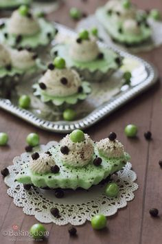 "Bakingdom  Mini Grasshopper Pies  ""Not only is this one of the easiest desserts I've ever made, but it's one of the most beautiful, and definitely one of the most delicious.""  ** Why is it that my desserts never turn out THIS gorgeous? **"