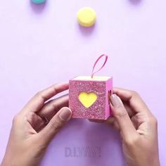 Diy Crafts Hacks, Diy Crafts For Gifts, Diy Home Crafts, Diy Arts And Crafts, Creative Crafts, Fun Crafts, Diy Projects, Paper Flowers Craft, Paper Crafts Origami