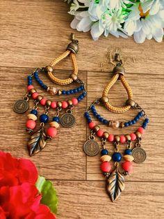 Beaded Earrings, Earrings Handmade, Handmade Jewelry, Jewelry Accessories, Jewelry Design, Cute Diy Projects, Diy Jewelry Tutorials, Hair Jewels, Bracelet Crafts