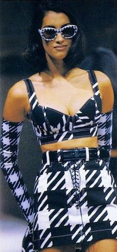 1991 - Azzedine Alaia show- Yasmeen Ghauri