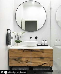 the moment, we are obsessed with round mirrors! The rectangular mirror takes … At the moment, we are obsessed with round mirrors! The rectangular mirror takes . -At the moment, we are obsessed with round mirrors! The rectangular mirror takes . Bad Inspiration, Bathroom Inspiration, Bathroom Inspo, Diy Bathroom Ideas, Bathroom Updates, Bathroom Interior Design, Interior Decorating, Small Home Interior Design, Interior Modern