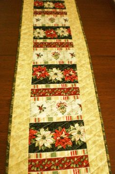 Christmas quilted tablerunner. Traditional gold by StephsQuilts