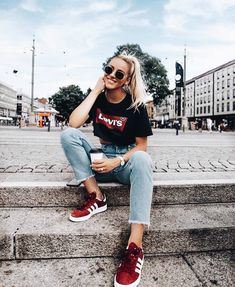 T shirt Levis Look Fashion, Fashion Blogger Style, Trendy Fashion, Fashion Outfits, Womens Fashion, Fashion Black, Fashion 2018, Summer Outfits, Casual Outfits