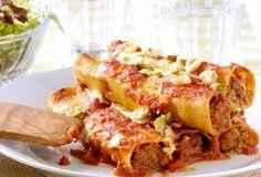 Cannelloni uit de oven met gehakt, hazelnoten en pecorinokaas