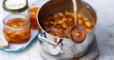 HOMEMADE PEACH JAM Spread this wonderfully seasonal jam on hot buttered toast or muffins Easy Homemade Recipes, Easy Healthy Recipes, Vegan Recipes, Homemade Products, Homemade Food, Healthy Food, Peach Jam, Jam Recipes, Sweet Recipes