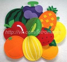 felt fruit More Felt Diy, Felt Crafts, Crafts To Make, Fabric Crafts, Crafts For Kids, Lemon Crafts, Felt Fruit, Felt Bookmark, Felt Play Food