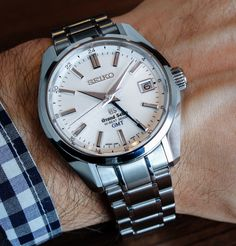 6dd8eb255a1 After a successful run at Baselworld last year with well-received new  models like the