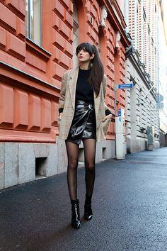Paz Halabi Rodriguez - Vintage Blazer, Zara Puff Sleeves Sweater, Mango Black Vinyl Skirt, Mango Patent Leather Boots - Glow!