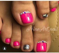 New pedicure glitter toes nail polish Ideas Pedicure Colors, Pedicure Designs, Manicure E Pedicure, Toe Nail Designs, Pink Pedicure, Pedicure Ideas, Art Designs, Pedicure Summer, Pretty Toe Nails