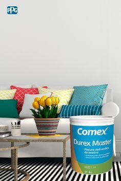 Con elementos decorativos de colores brillantes y los tonos cálidos de Durex Master lograrás darle muchos ambientes diferentes a tu sala de estar.  #ProductosComex #Comex #ComexLATAM #Colorful #Ideas #Room #Inspiration Colores #Inspiracion #Casa #Sala #Decor #Home #DIY