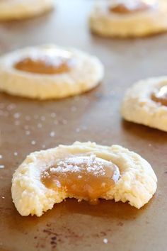 These Salted Caramel Cookies are SO soft and buttery. The perfect vanilla butter cookie! But topped with gooey salted caramel? I die! I think I will add this to my list of what I'm baking Cookie Desserts, Just Desserts, Cookie Recipes, Delicious Desserts, Dessert Recipes, Yummy Food, Cookie Favors, Holiday Baking, Christmas Baking