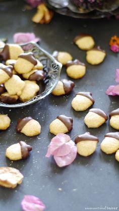 Adorable treats! Grain-Free Autumn Acorn Cookies (Also Dairy Free, Vegan)