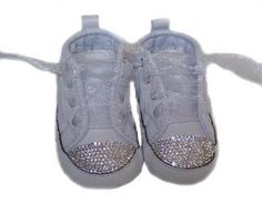 White Diamond Bling Converse Crib Shoes for my wedding :D Bling Converse, Baby Converse, Converse Shoes, White Converse, Bling Baby Shoes, Baby Bling, Bling Bling, Flower Girl Shoes, Girls Shoes
