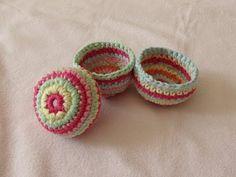 VERY EASY crochet mini basket tutorial - striped storage pots - YouTube