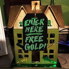 19 Leprechaun Traps Guaranteed To Win St. St Patrick's Day Crafts, Crafts For Boys, Cute Crafts, Crafts To Do, Hobbies And Crafts, St Paddys Day, St Patricks Day, St Pattys, Leperchaun Trap
