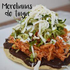 Deliciosas morelianas de tinga de pollo ¡un platillo sencillo, nutritivo y delicioso! Mexican Menu, Mexican Food Recipes, Healthy Recipes, Ethnic Recipes, Healthy Food, Weird Food, Goodies, Appetizers, Food And Drink
