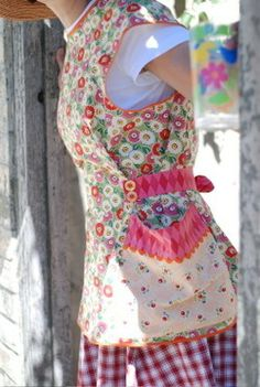 Homestead Revival: Aprons