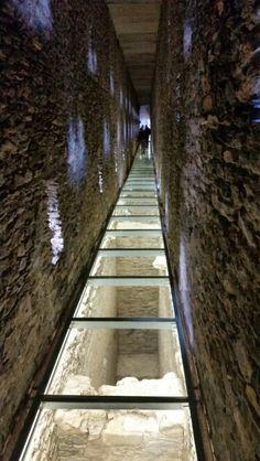 Interno del ponte acquedotto del Pondel