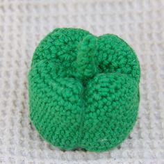 Dînette au crochet fait main : poivron vert