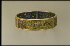 """Bracelet Devise : """"Tout par amour, partout Amour, Amour partout"""" by Falize Fréres, Paris, 1901. Beautiful enameling; wish they took a better shot of it."""