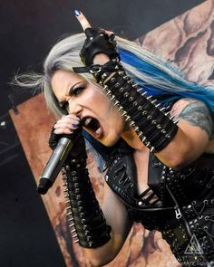 Heavy Metal Girl, Heavy Metal Music, Female Guitarist, Female Singers, Ladies Of Metal, El Rock And Roll, Alissa White, Gothic, Women Of Rock