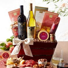 7 Best Wine and Cheese Gift Baskets 2019 Cheese Gift Baskets, Cheese Gifts, Wine Gift Baskets, Basket Gift, Wine Cheese Pairing, Wine And Cheese Party, Cheese Pairings, Cheese Design, Cheese Straws