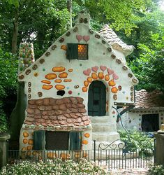 Now that's a fairy tale house