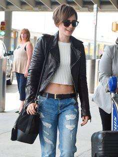 Lily Collins in Boyfriend Jeans. Pixie Hairstyles, Pixie Haircut, Cool Hairstyles, Hair Inspo, Hair Inspiration, Lily Collins Short Hair, Short Hair Cuts, Short Hair Styles, Pelo Pixie