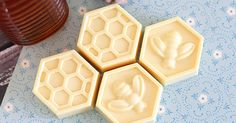 DIY Milk & Honey Soap - Happiness is Homemade Diy Christmas Gifts For Friends, Diy Mothers Day Gifts, Homemade Christmas, Soap Making Recipes, Homemade Soap Recipes, Homemade Products, Happiness Is Homemade, Easy Homemade Gifts, Beauty Hacks For Teens