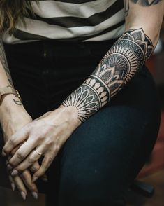 lower arm tattoos for women mandala / lower arm tattoos for women mandala ; half sleeve tattoos for women lower arm mandala Geometric Sleeve Tattoo, Tribal Arm Tattoos, Tribal Tattoo Designs, Maori Tattoos, 10 Tattoo, Tattoo Bein, Arm Band Tattoo, 3 4 Sleeve Tattoo, Cute Tattoos For Women