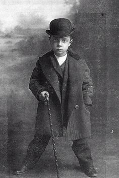 Peer Into The Past: Buster Keaton ca 1896 - 1910 Silent Film Stars, Movie Stars, Vintage Hollywood, Classic Hollywood, Vintage Photographs, Vintage Photos, Buster Keaton, Young Celebrities, Celebs