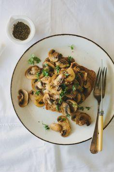 Mustardy mushrooms on toast | My Darling Lemon Thyme