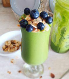 Πράσινο smoothie με σπανάκι | Mygreekgreenplate Pudding, Smoothie, Desserts, Food, Tailgate Desserts, Deserts, Eten, Puddings, Smoothies