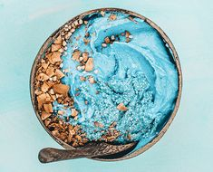 Get in on the benefits of spirulina with this gorgeous ocean-inspired nice cream recipe from our vegan recipe Instagram crush, Sugared Coconut...