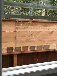 Selecting the Perfect Neutral Stain Color for a Cedar Fence Cedar Fence Stain, Grey Deck Stain, Wood Deck Stain, Cedar Fence Boards, Deck Stain Colors, Wood Fences, Garden Fences, Landscape Design Small, Modern Garden Design