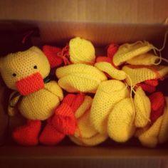 Heads, bodies, wings, beaks, legs... Ducklings in progress