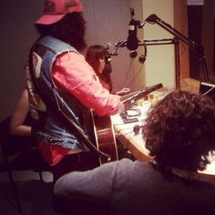 @streightangular rockin @wtbu studio b. Tune in!