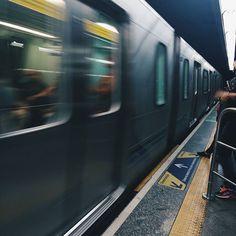 É um erro popular muito comum acreditar que aqueles que fazem mais barulho a lamentarem-se a favor do público sejam os mais preocupados com o seu bem-estar... Edmund Burke  Movimento #desafioprimeira #usuariosdometro   #brvsco #vsco #vscocam #sp #011 #sp4you #sousampa #saopaulocity #saopaulowalk #vscofotografia_ #pic #instamood #clickgrafia_ #bgs #street #urban #mostreseuolhar #respirofotografia #splover #tvminuto #spdagaroa #vejasp #indie #clickdoiniciante