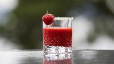 Iskald jordbærdrikk med lime og ingefær