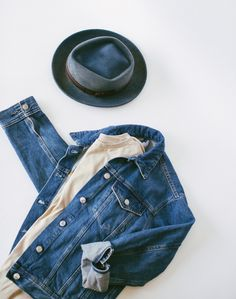 Since Goorin Brothers have designed and manufactured the world's finest fedoras and flat caps. Use our hat fit guide and let us help you find the perfect hat. Outfits With Hats, Fall Outfits, Dove Tail, Fall Hats, Style Fashion, Womens Fashion, Flat Cap, Hat Shop, Felted Wool