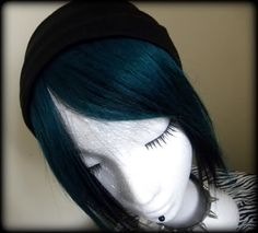 Nails dark turquoise teal hair ideas for 2019 Dark Green Hair Dye, Teal Hair Dye, Turquoise Hair, Hair Dye Colors, Dye My Hair, Dark Hair, Teal Green, Black Eye Makeup, Dark Skin Makeup