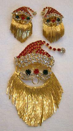 Vintage rhinestone Santa brooch and earrings with beard chain dangles