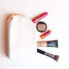 Escolhas da maquiagem básica de hoje... Today's basic make up choices... @maybellinenybrasil  #makeup #makeupaddict #instabeauty #dujour #stories #choices #maquiagem #basicmakeup #dailymakeup #chriscastro #girisbioggers #tagsforlikes #instalike