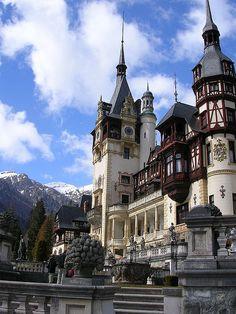 Peles Castle, Castle Ruins, Beautiful Castles, Beautiful Places, Oh The Places You'll Go, Places To Travel, Romanian Castles, Bucharest Romania, Architecture Old