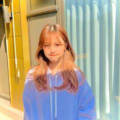 Image about kpop in fromis ♡ by ida on We Heart It South Korean Girls, Korean Girl Groups, Ulzzang Korean Girl, K Idol, Indie Kids, Cute Korean, White Aesthetic, Cute Gif, Role Models