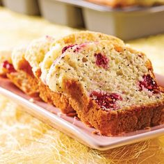 Pain lemon poppy and cranberry - Recipes - Food and nutrition - Pratico Practice Cranberry Bread, Cranberry Recipes, Rhubarb Pudding Cake, Confort Food, Cake Recipes, Dessert Recipes, Desserts With Biscuits, Food 101, Muffin Bread