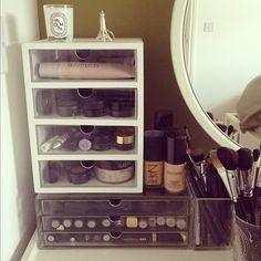 make up storage use on vanity